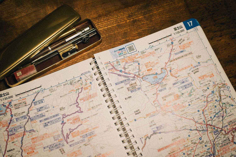 旅の計画を立てる時の必需品。ツーリングマップルは最高の道しるべ